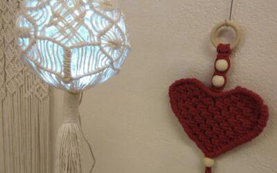 Joulumakramee ym. jouluista tekemistä ke 9.12. klo 12-17 ja pe 11.12. 10-17. Pal…