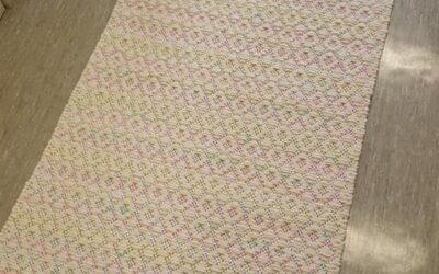 Aavistuksesta tulikin Vaahtokarkki – suloinen matto